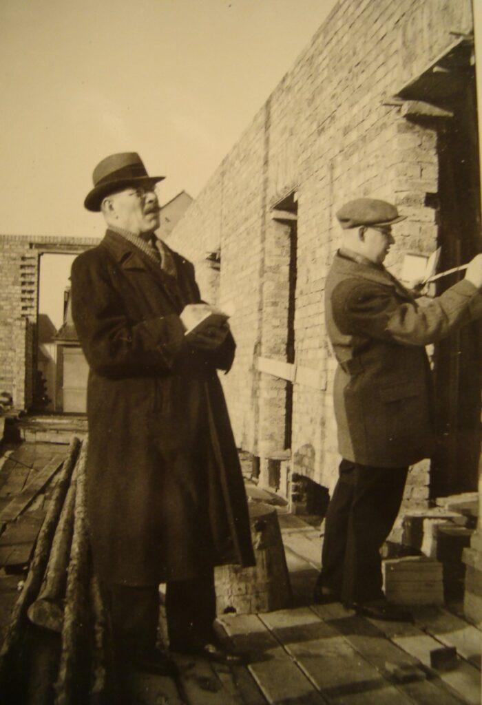 Glasermeister Paul Tollert sen. und Glasermeister Paul Tollert jun.